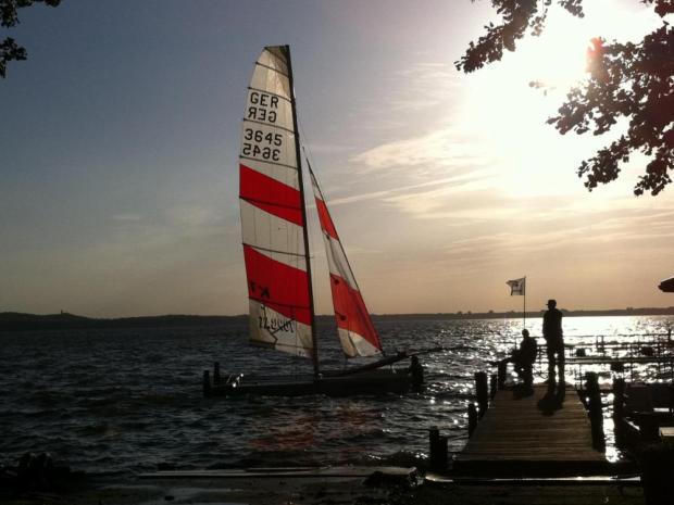 Ausflug Vatertag Surf und Segelschule Müggelsee Brandenburg naturtrip.org