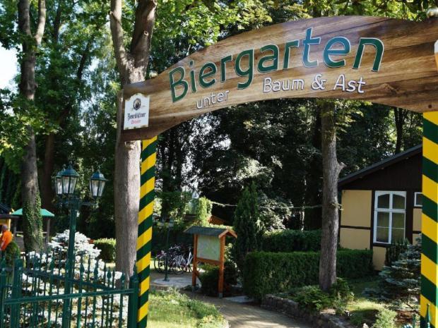 Biergarten Baum & Ast