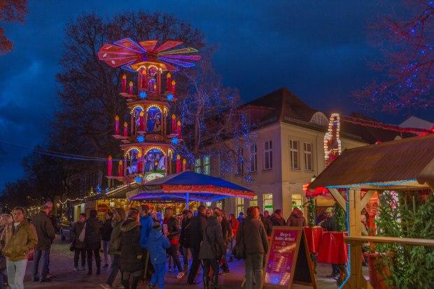Weihnachtsmarkt Blauer Lichterglanz in Potsdam